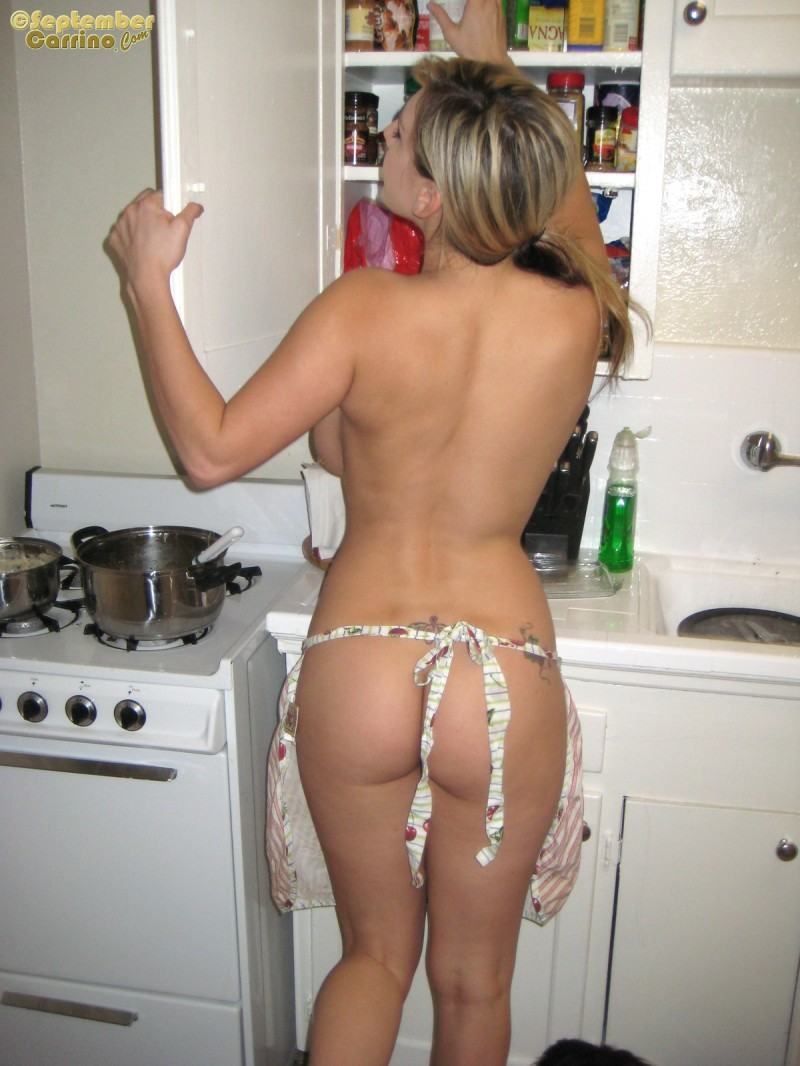 nude-housewife-sexy-girl-cooking-naked-sex-slut-naked