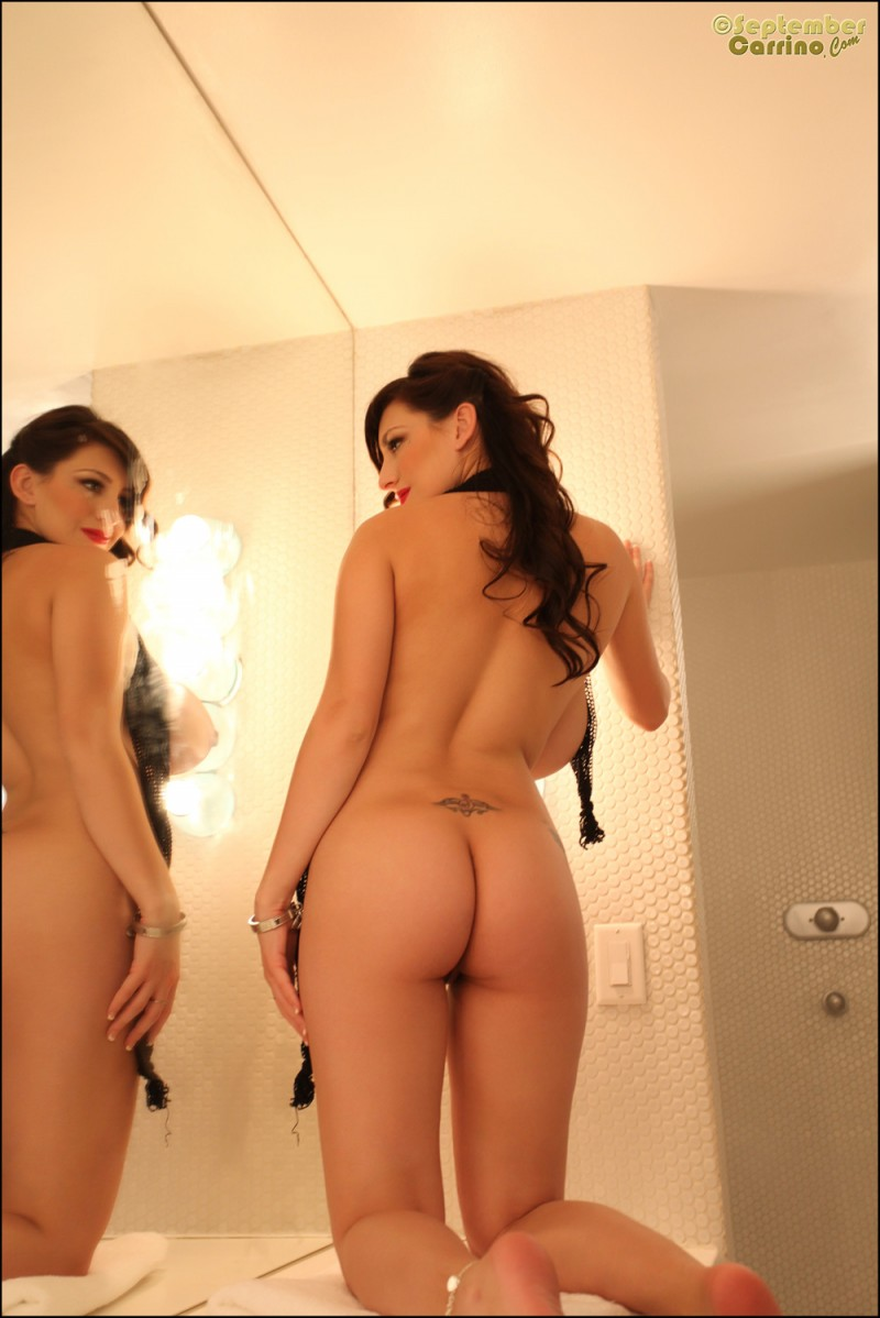 september-carrino-mirror-photoshoot-nude-08
