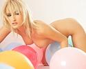 veronika-valentova-balloons