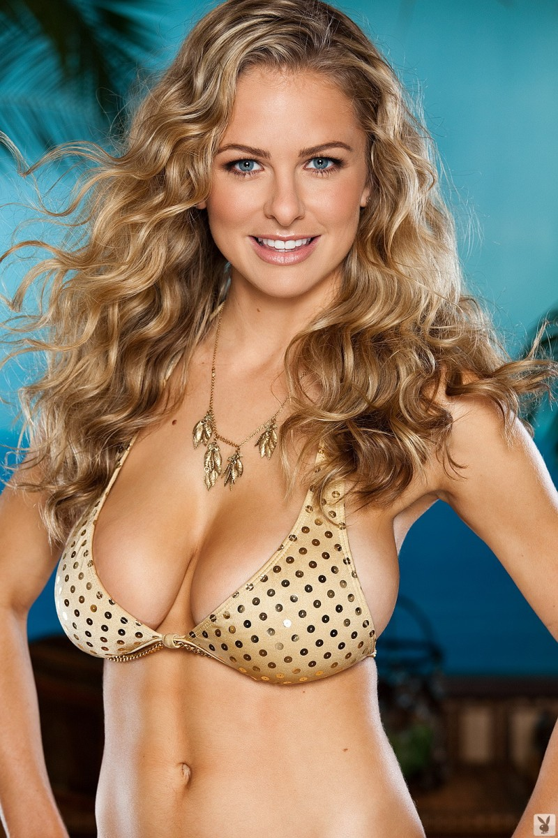 shanna-mclaughlin-boobs-playboy-02