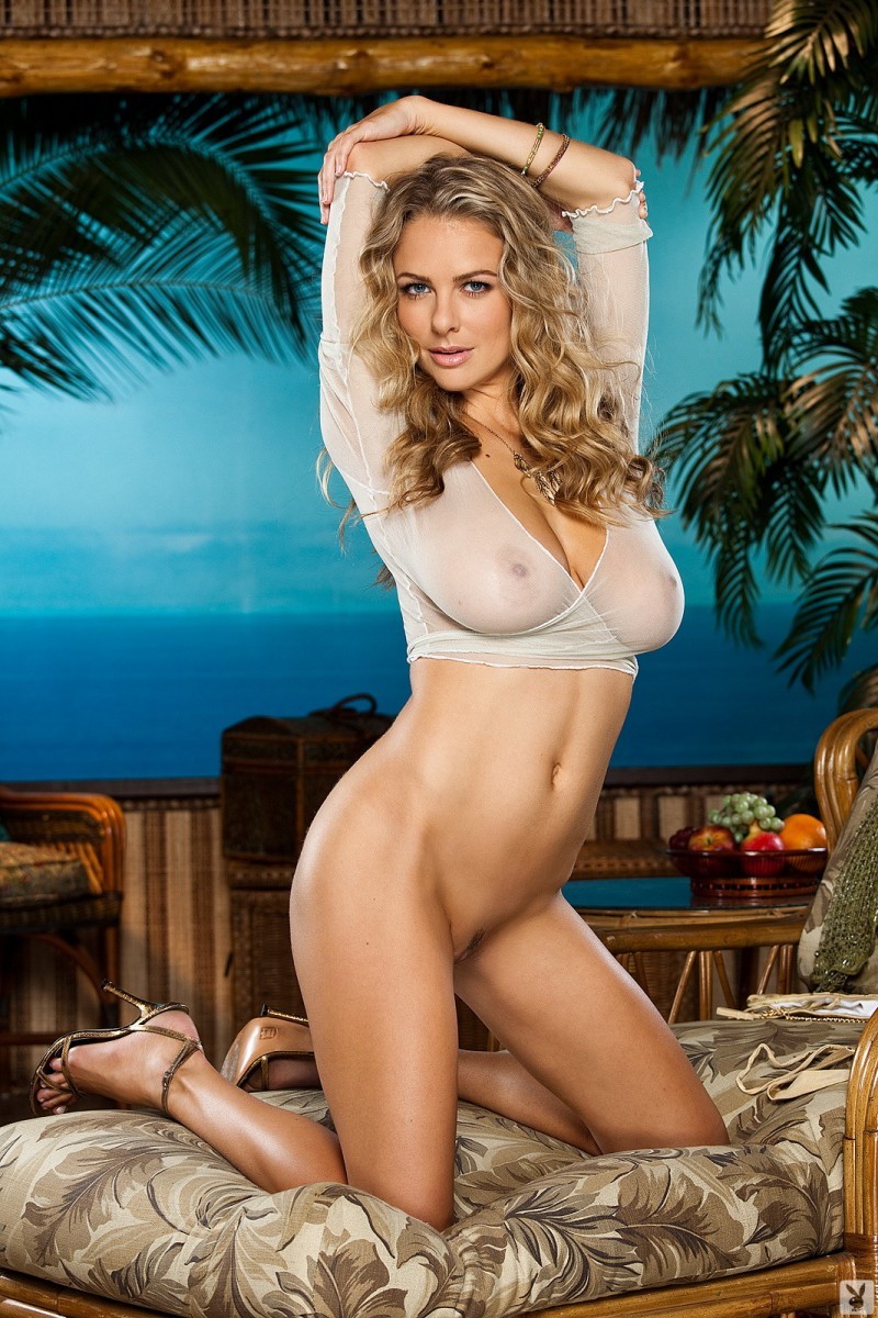 shanna-mclaughlin-boobs-playboy-07