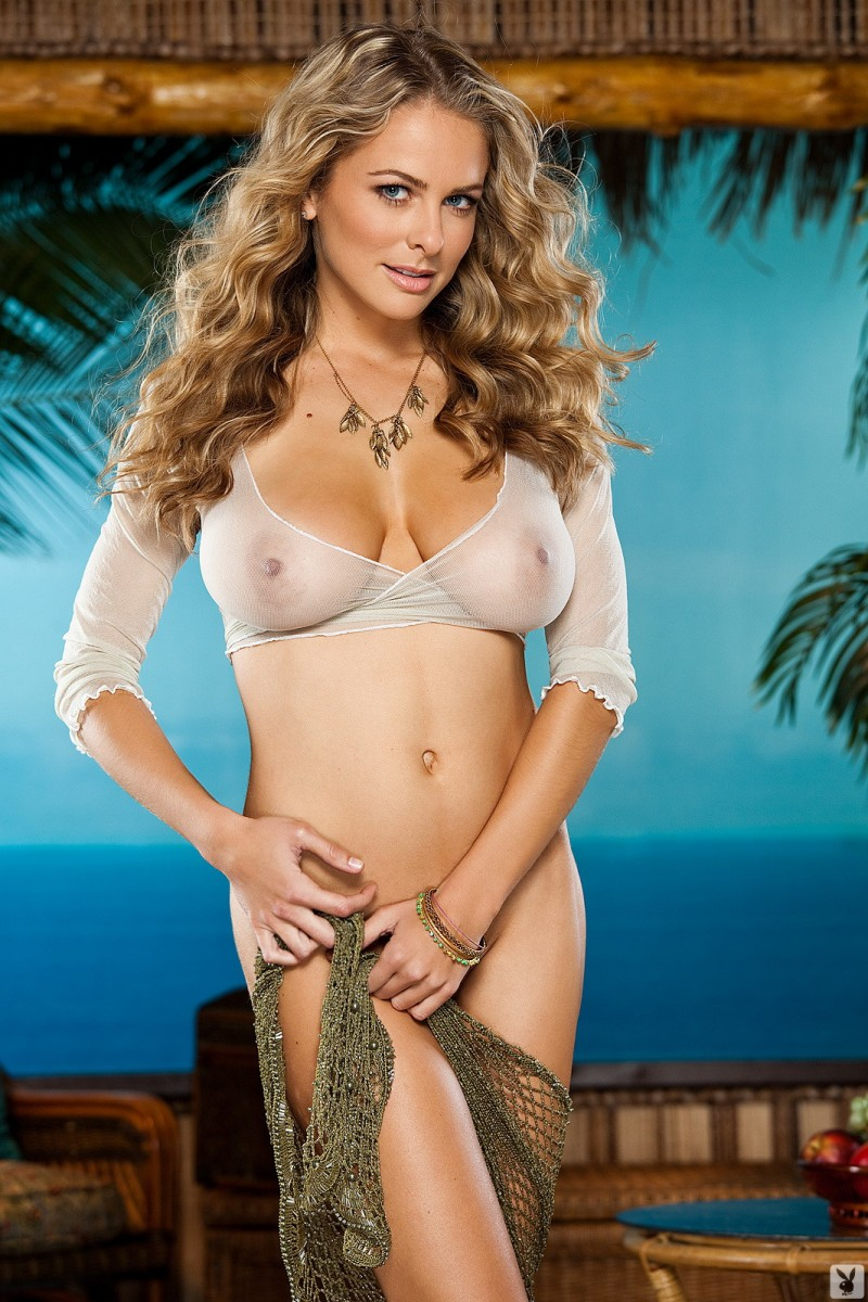 shanna-mclaughlin-boobs-playboy-09