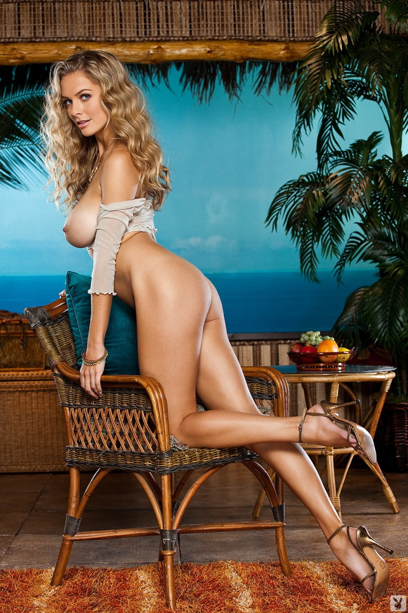 shanna-mclaughlin-boobs-playboy-14