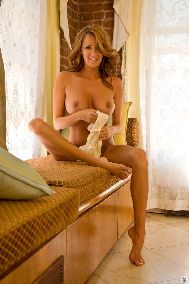 sharae-spears-playboy-cybergirl-2009-23