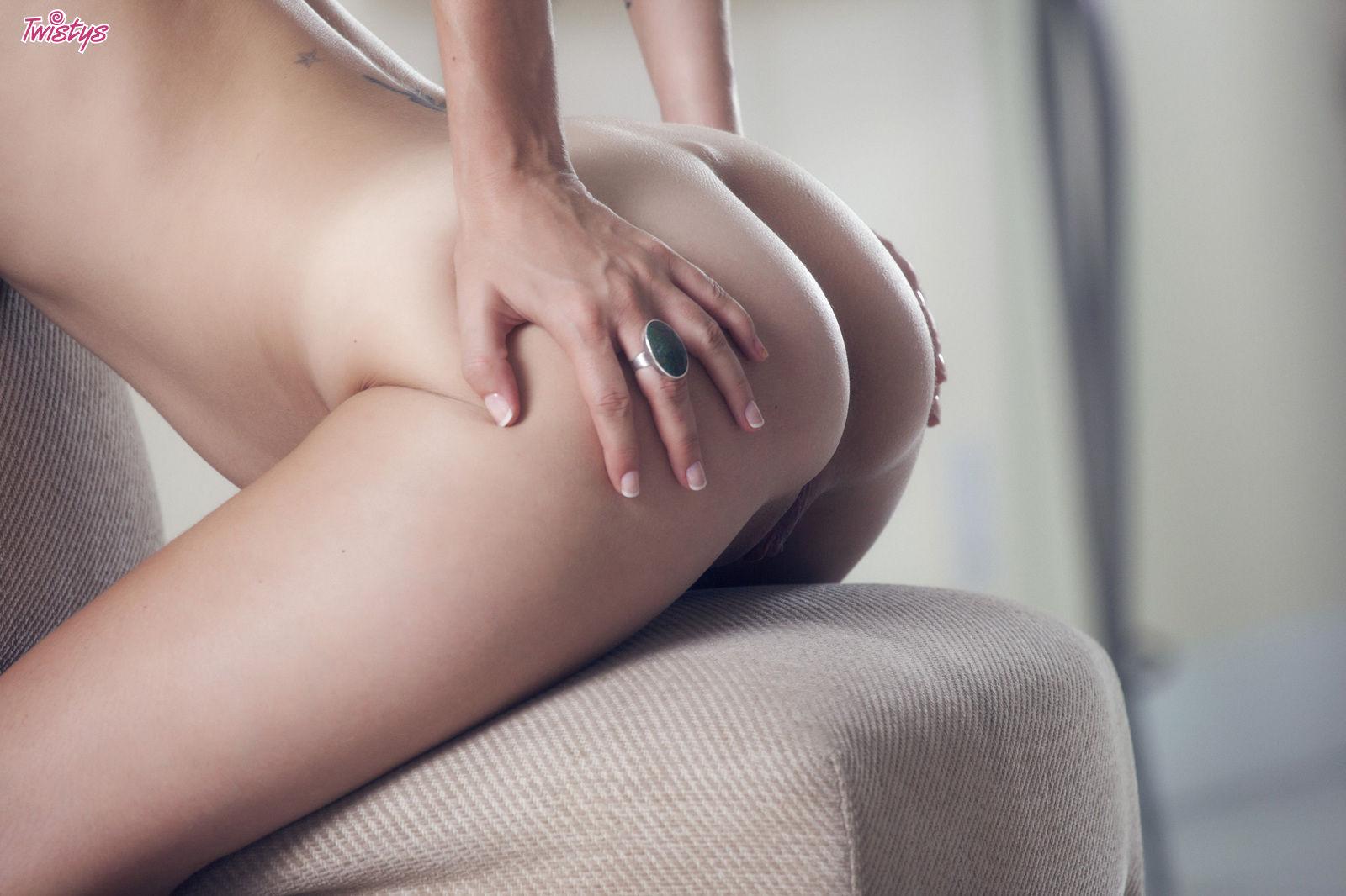 shay-laren-corset-blonde-tits-nude-twistys-15