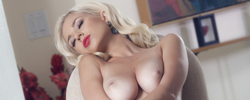 Shay Laren – Blonde in corset