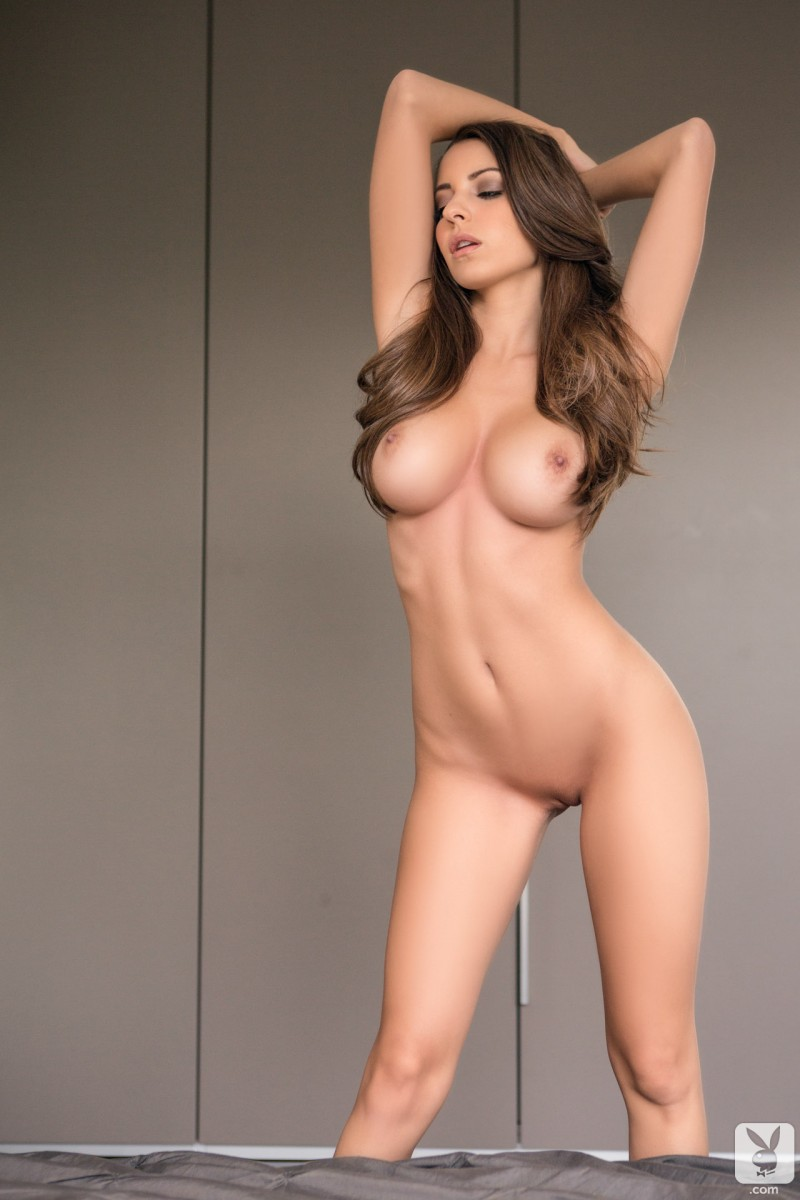shelby-chesnes-bedroom-playboy-18