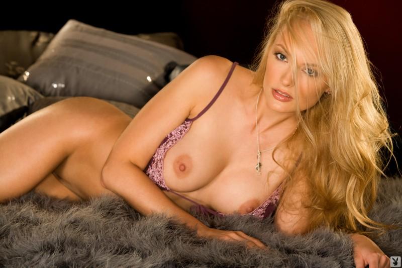 shera-bechard-nude-lingerie-playboy-08