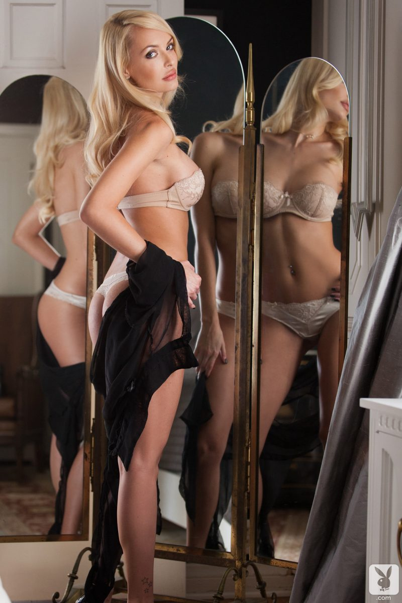 shera-bechard-nude-blonde-mirror-playboy-08