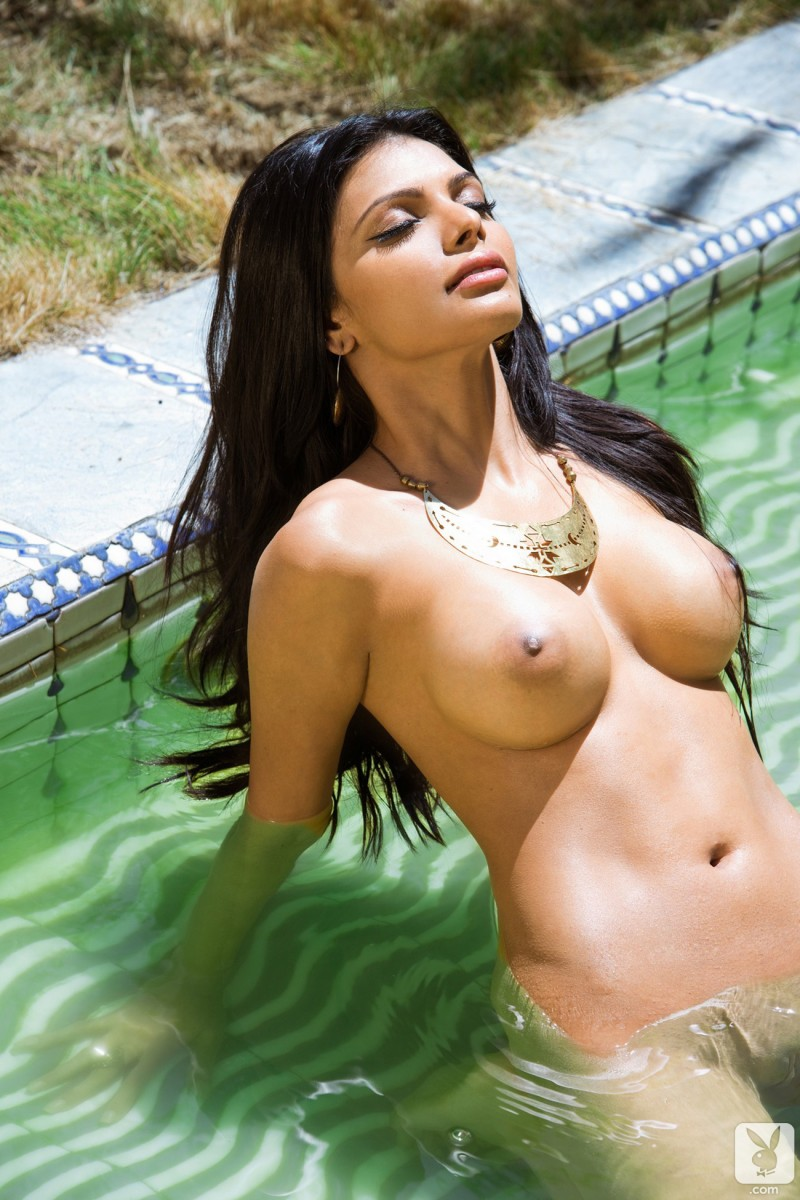sherlyn-chopra-indian-nude-playboy-02