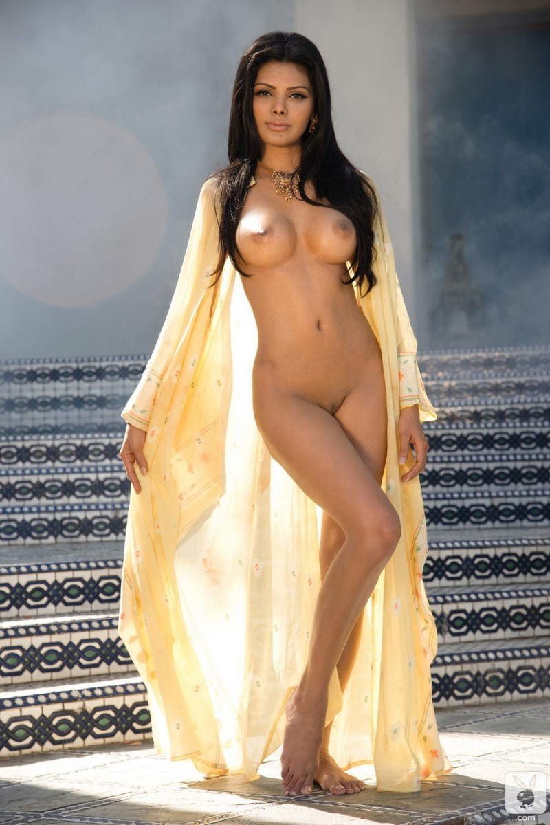 sherlyn-chopra-indian-nude-playboy-06
