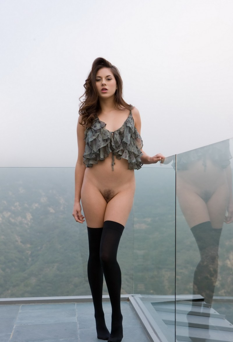 shyla-jennings-roof-balcony-stockings-nude-01