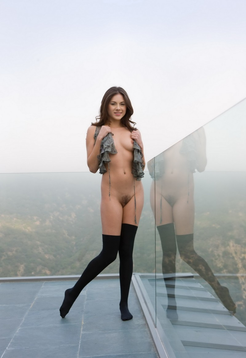 shyla-jennings-roof-balcony-stockings-nude-04