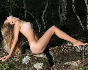 sienna-blonde-woods-nude-mplstudios