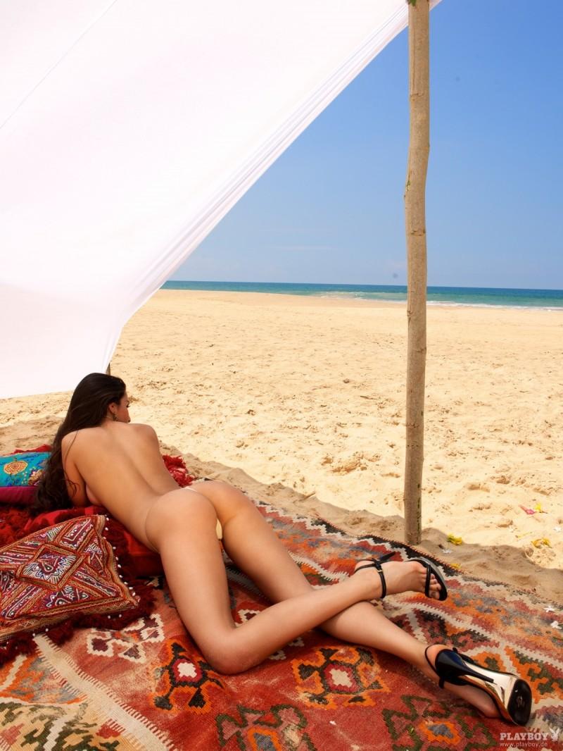 sila-sahin-nude-playboy-05