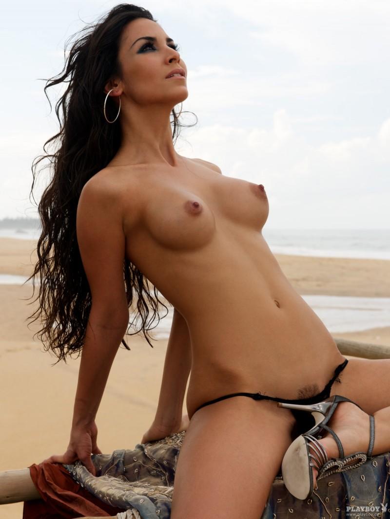 sila-sahin-nude-playboy-17
