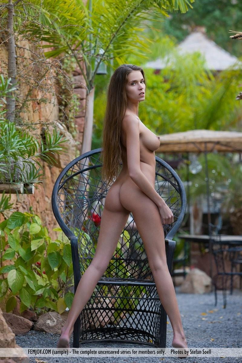 simona-nude-bird-cage-femjoy-14
