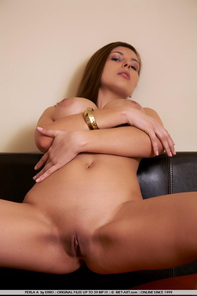 perla-a-bed-boobs-metart-14