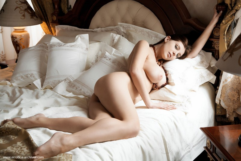 perla-bed-errotica-archives-02