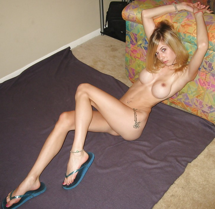skinny-amateur-naked-blond-fake-boobs-17