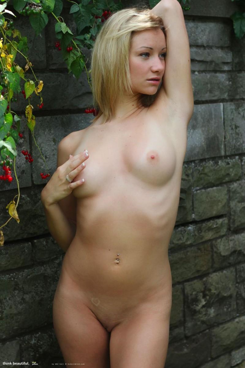 skye-bikini-bodyinmind-09