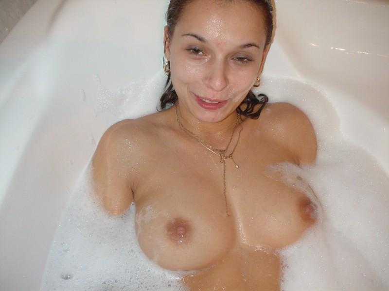 amateur-housewife-nude-shower-bath-48