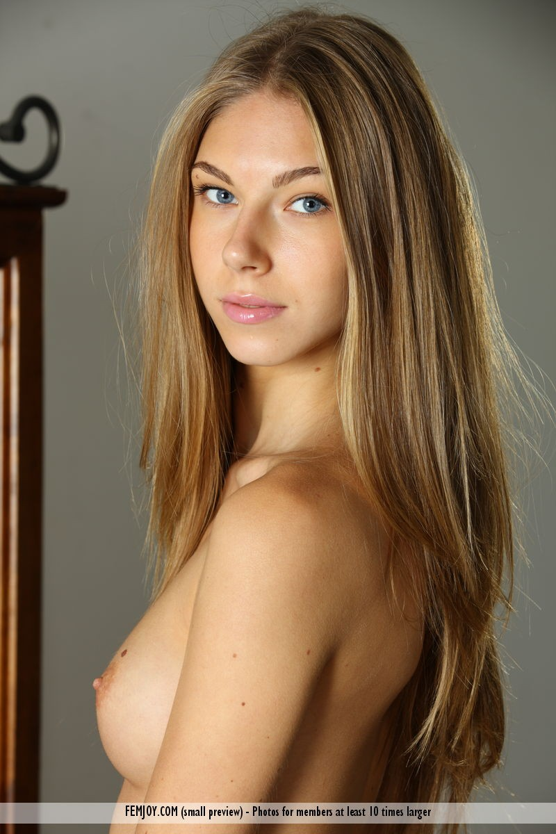 kathy-i-lingerie-nude-skinny-femjoy-14