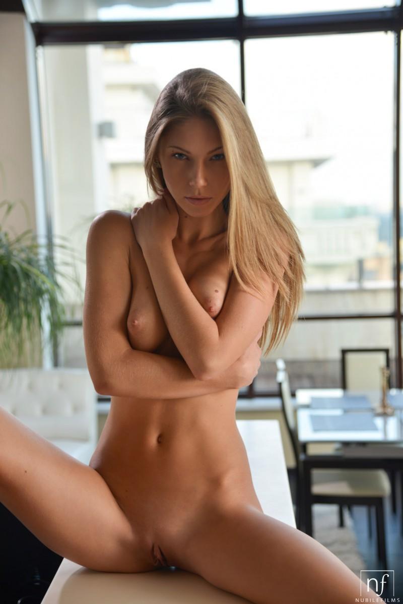ebbi-jeans-nude-nubiles-12