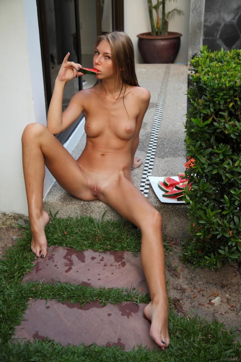anjelica-bikini-pool-watermelon-stunning18-16