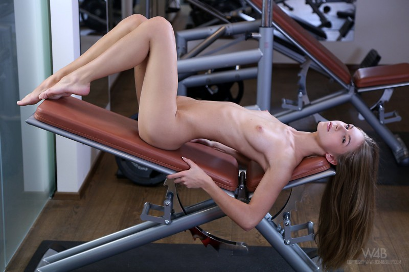 abby-skinny-gym-naked-watch4beauty-16