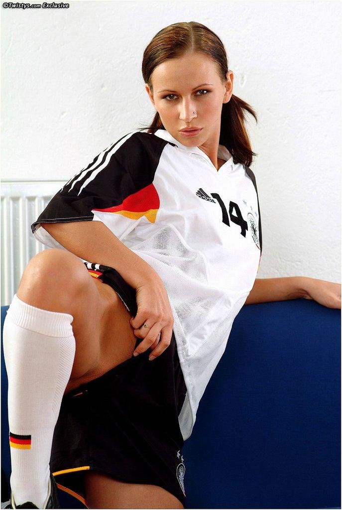 susana-spears-soccer-german-twistys-01