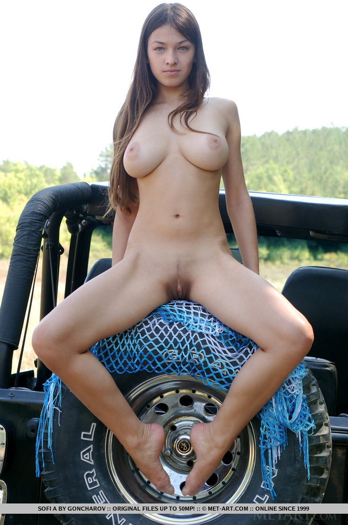 Amateur naked jeep girls