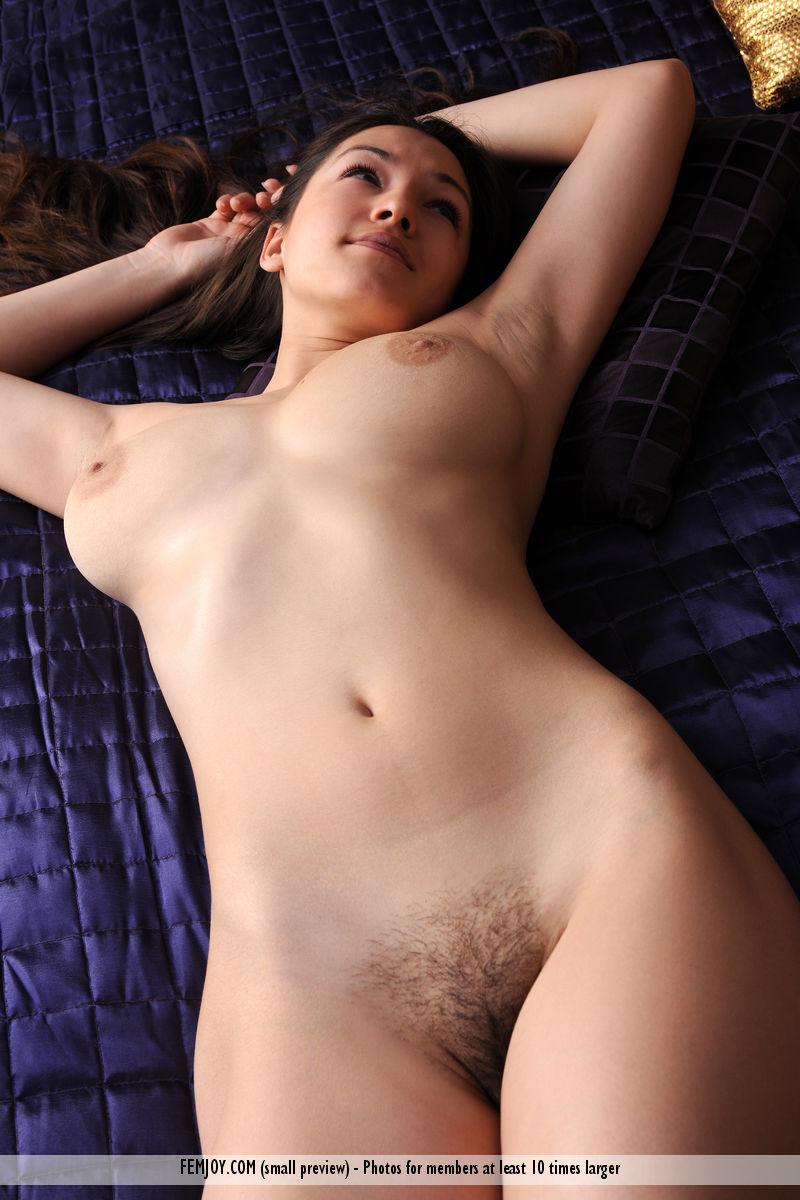 skinny nude pussy gif