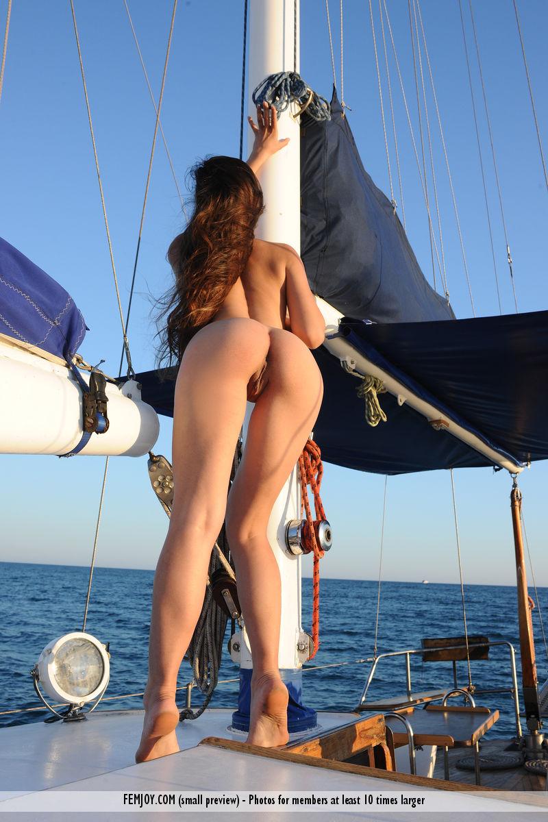 sofi-nude-yacht-femjoy-02