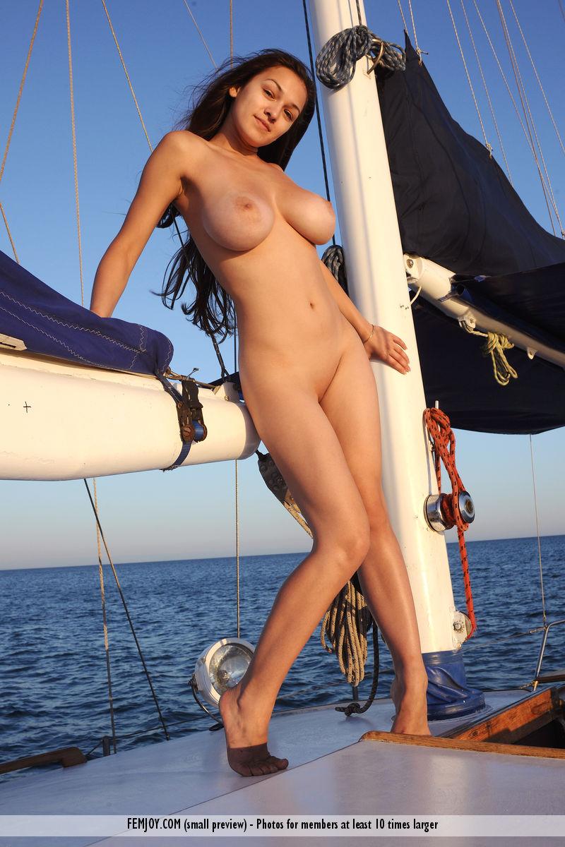 sofi-nude-yacht-femjoy-06