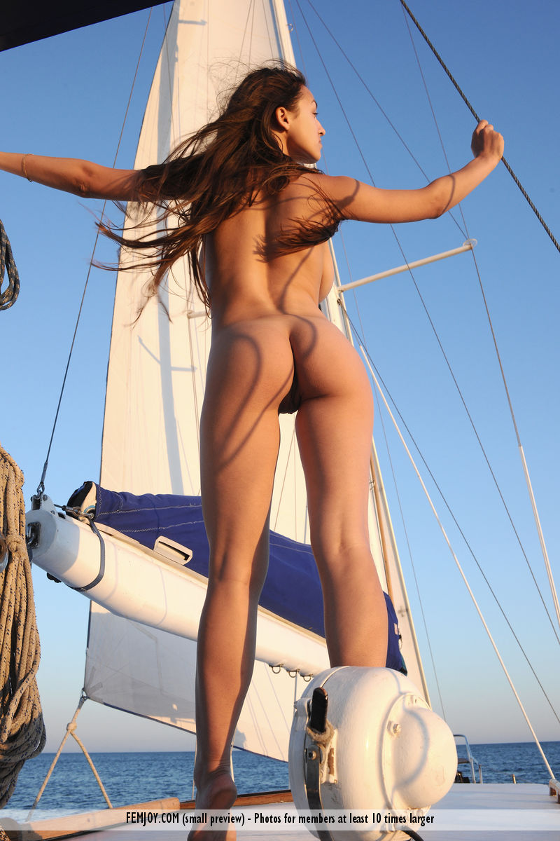 sofi-nude-yacht-femjoy-11