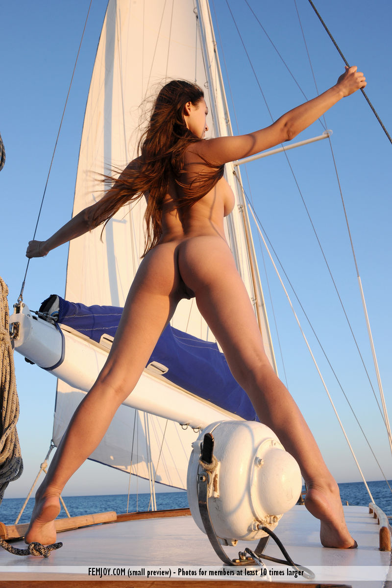 sofi-nude-yacht-femjoy-12