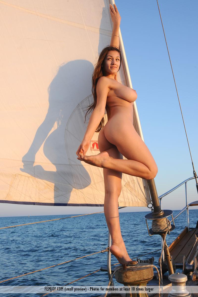 sofi-nude-yacht-femjoy-13