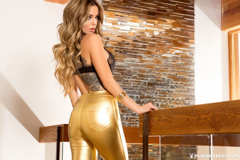 sophia-presley-gold-leggings-naked-playboy-02