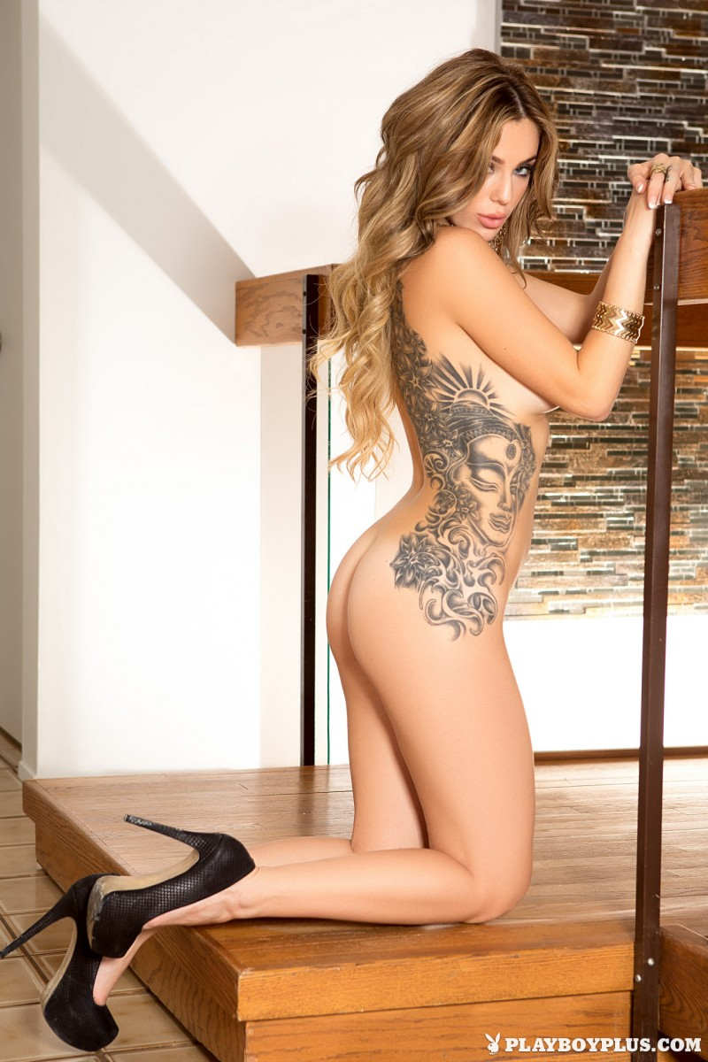 sophia-presley-gold-leggings-naked-playboy-15