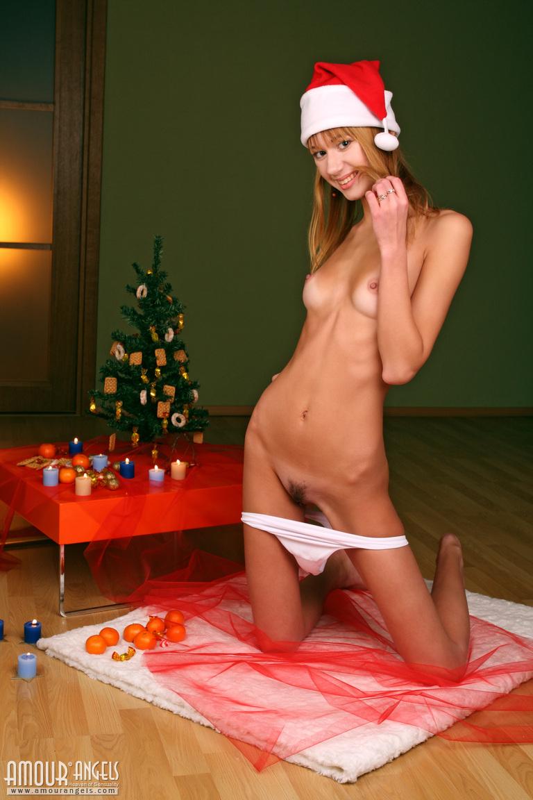 sophy-sexy-santa-xmas-nude-amour-angels-05