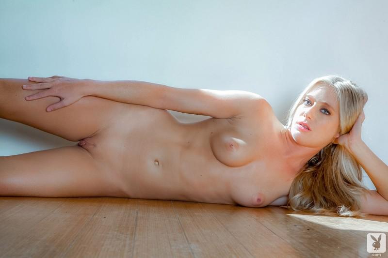 stacy-aaron-nude-blonde-playboy-17