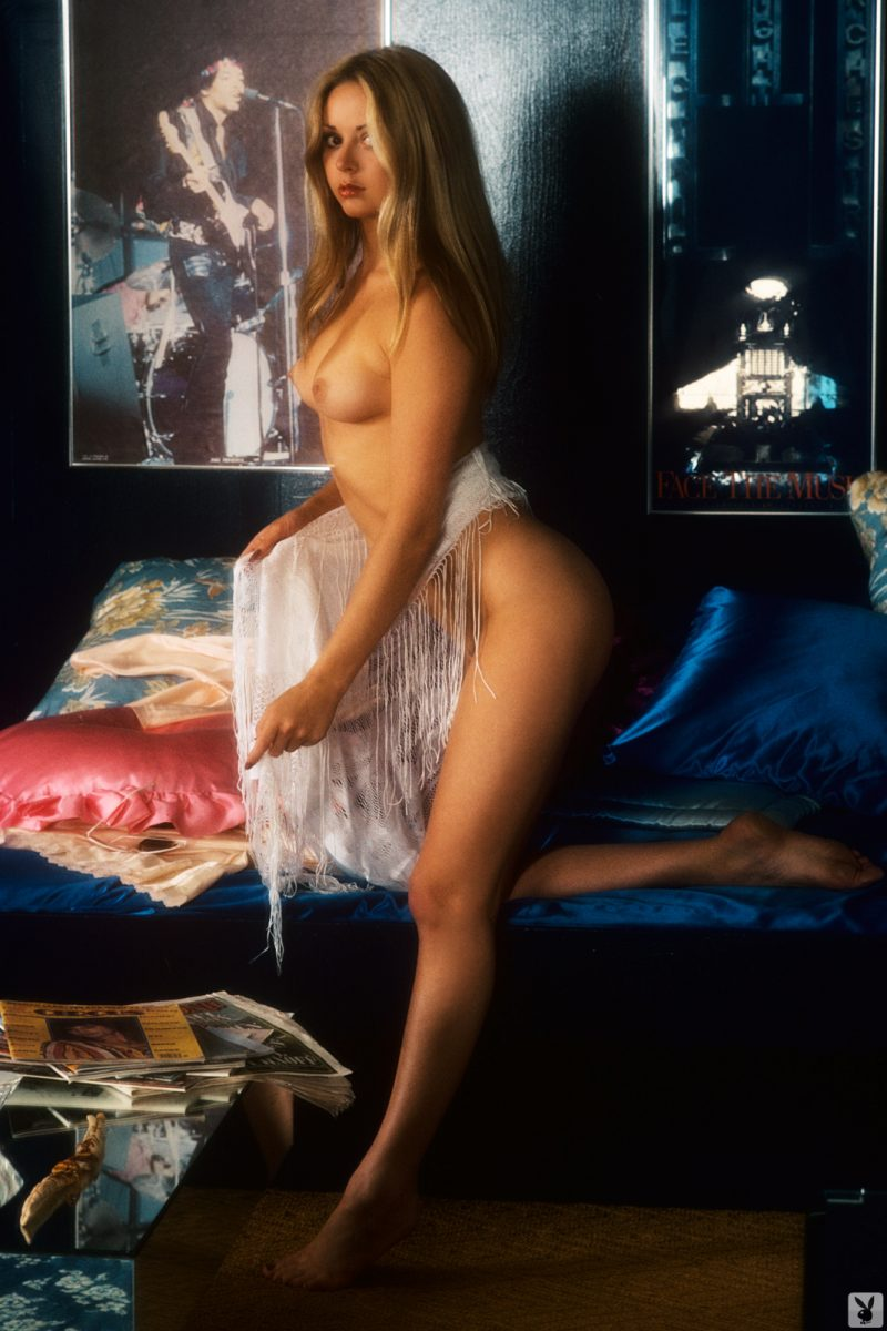 star-stowe-playmate-february-1977-vintage-playboy-08