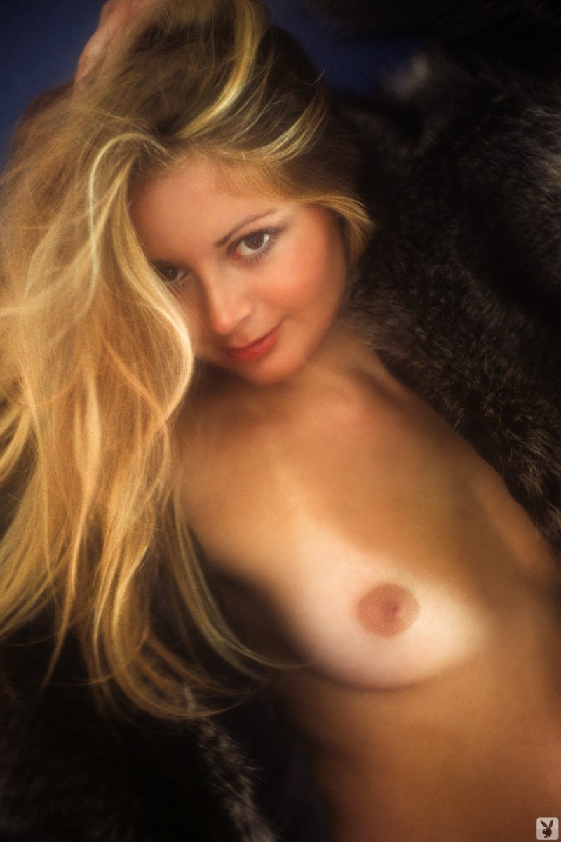 star-stowe-playmate-february-1977-vintage-playboy-12