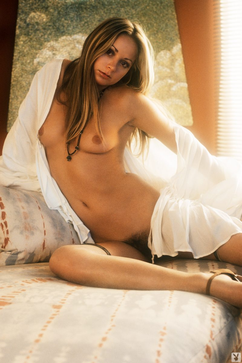star-stowe-playmate-february-1977-vintage-playboy-20