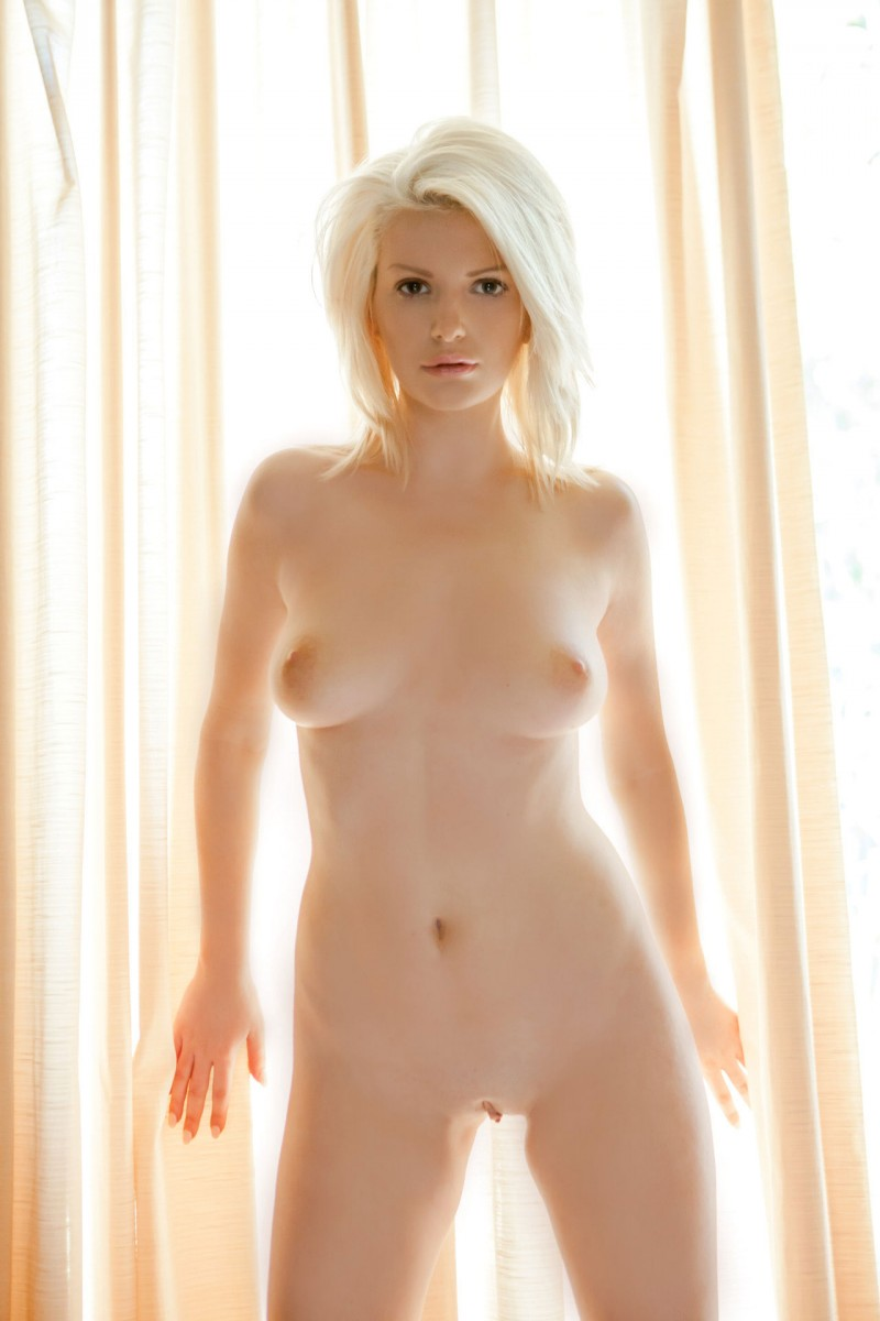 blonde nude Stephanie