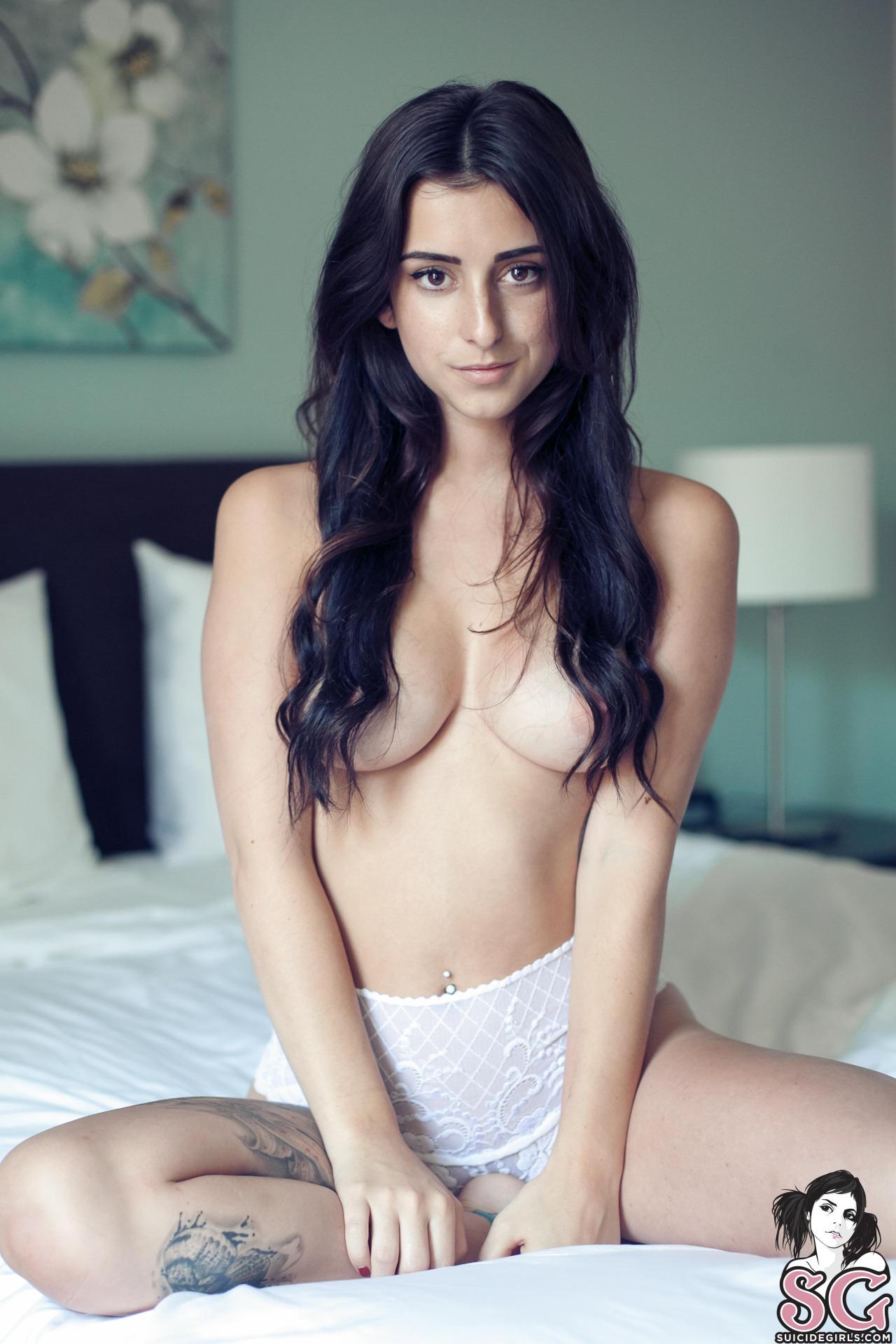 photos suicide girls boobs
