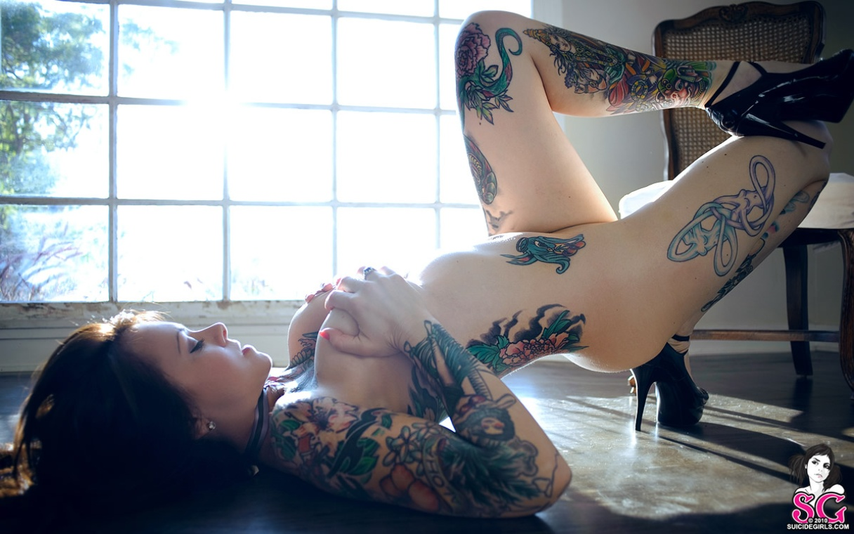 suicide-girls-tattoos-naked-vol7-42