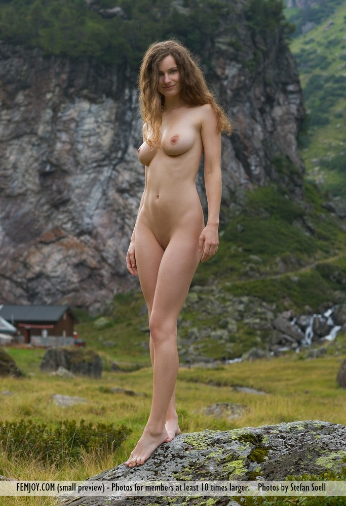 susann-nude-mountains-boobs-femjoy-11