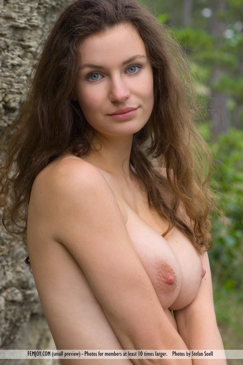 susann-woods-naked-femjoy-07